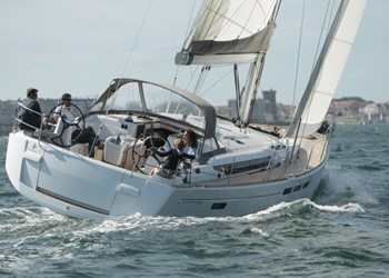Sailboat Rental Sun Odyssey 509