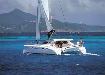 Catamaran for Charter Nautitech 482
