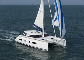Catamaran for Charter Nautitech 542 (4 cab)