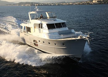 Моторная яхта прокат Swift Trawler 52