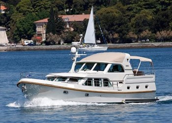 Motor Boat for Rent Grand Sturdy 500 Variotop Mark II