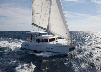 Luxury Catamaran for Rent Lagoon 500 (5 cab)