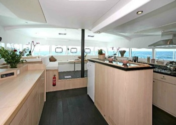 catlante_600_kitch.jpg Yacht Image - 5