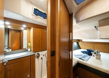 bavaria_cruiser_56_5_cab_bathroom.jpg Yacht Image - 6