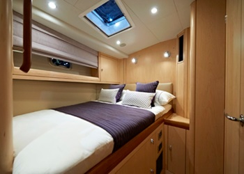 oyster_655_int_3.jpg Yacht Image - 5
