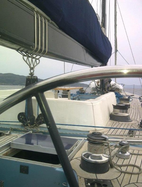 Noleggio barche a vela lussuose imbarcazioni custom for Cabine di lusso gigantesche