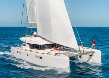 Luxury Catamaran for Rent Lagoon 52 (6 cab)