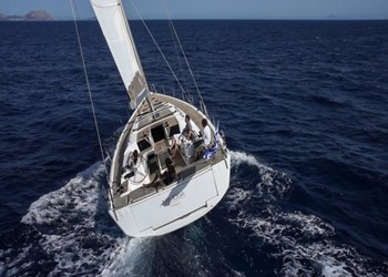dufour_560_grand_large_4_cab_2.jpg Yacht Image - 4