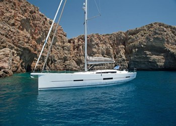 dufour_560_grand_large_4_cab_4.jpg Yacht Image - 3