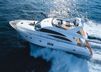 Charter Motorboot Princess 67
