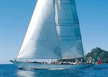 Sailboat Holidays Classic Cruising Sloop