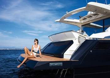 absolute_70_3.jpg Yacht Image - 2