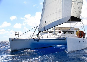 Luxury Catamaran Rental Voyage 520