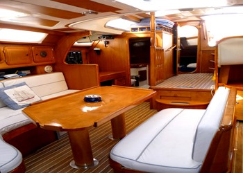 freedom_60_ds_saloon-2.jpg Yacht Image - 3