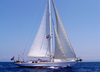 Sailboat Holidays Alondra