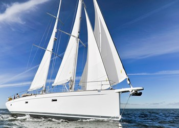 Sailboat Charter Opus 68