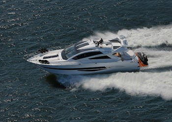 Barca affito Galeon 700 Skydeck