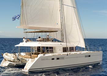 Luxury Catamaran for Rent Lagoon 560 S2