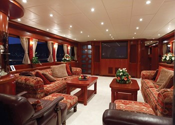 johnson_87_motor-yacht-charter-johnson-87-08.jpg Yacht Image - 4
