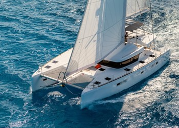 Luxury Catamaran for Rent Lagoon 52 F