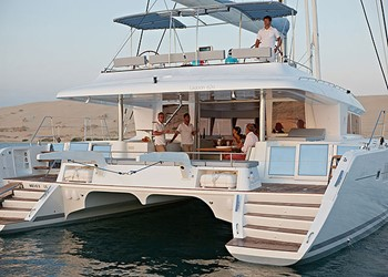 Luxury Catamaran for Rent Lagoon 620 (6 cab)