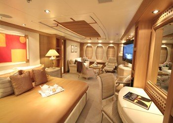 amels_marla_master_cabin2.jpg Yacht Image - 7