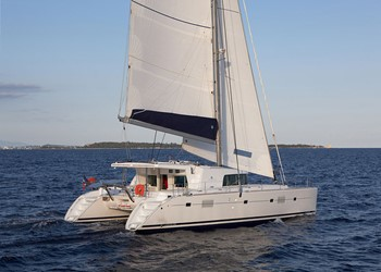 Luxury Catamaran for Rent Lagoon 500