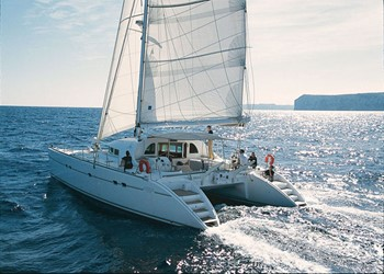Luxury Catamaran for Rent Lagoon 570