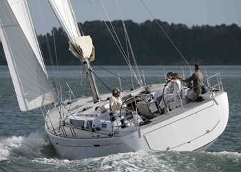Sailboat Vacations Dufour 525 Grand' Large