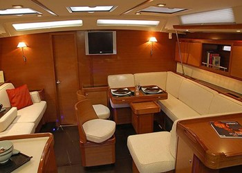 dufour_525_grand_large_2.jpg Yacht Image - 4