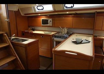 dufour_525_grand_large_6.jpg Yacht Image - 8